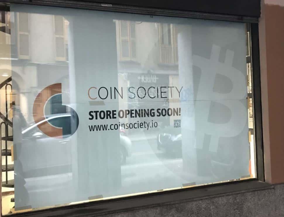 A Milano c'è Coin Society, store per le criptovalute
