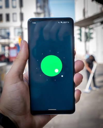 Come caricare la batteria dello smartphone in modo corretto