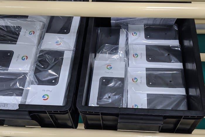 Fotografie svelano Google Pixel 4a XL?