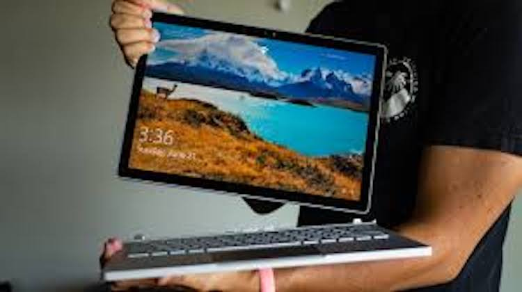 Microsoft Surface Book 3: l'effetto wow a schermo acceso