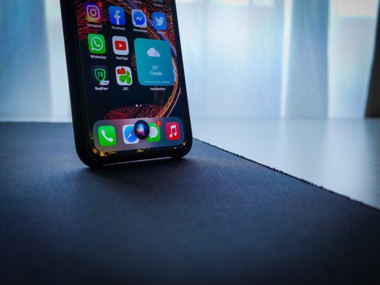 Scopri se qualcuno entra nel tuo dispositivo o account Apple