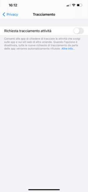 Impedisci alle app di tracciare la tua attività su iOS