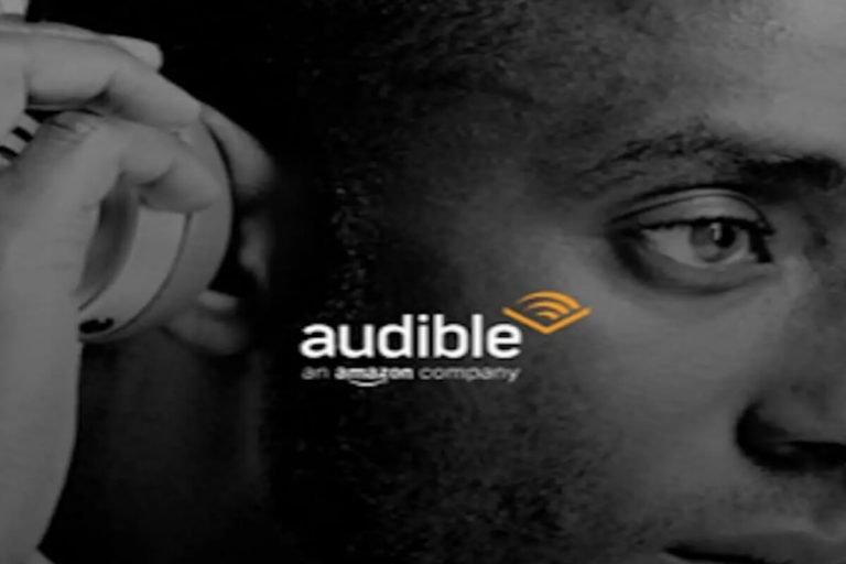 Come ascoltare podcast in auto con Waze e Audible
